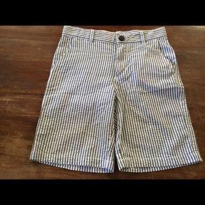 Gymboree gray & white seersucker shorts 8